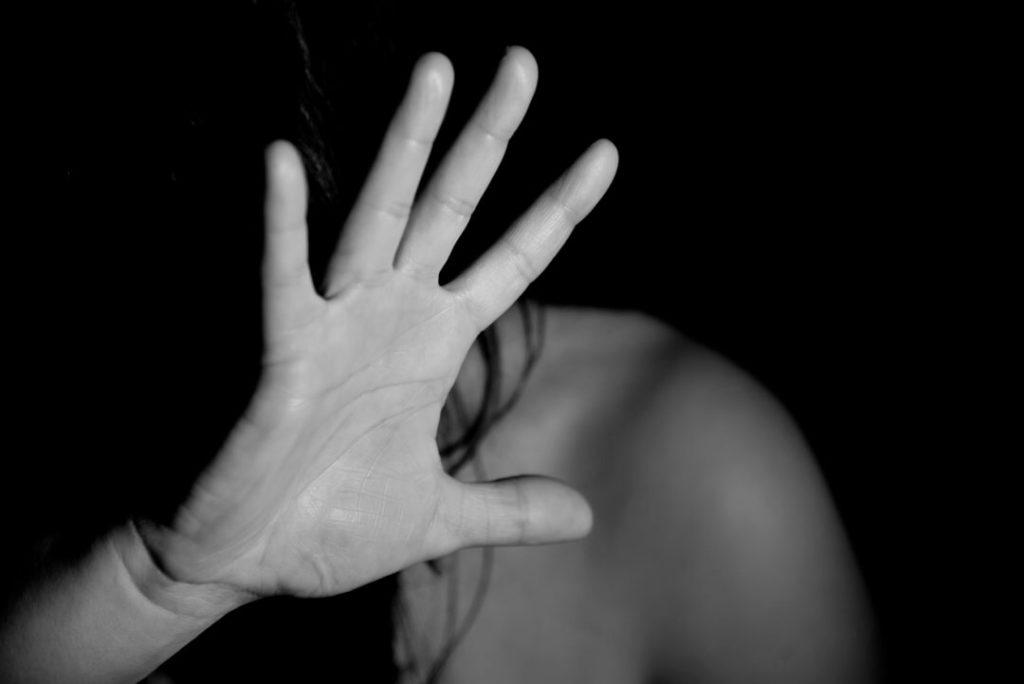 Bindungsangst - abwehrende Hand